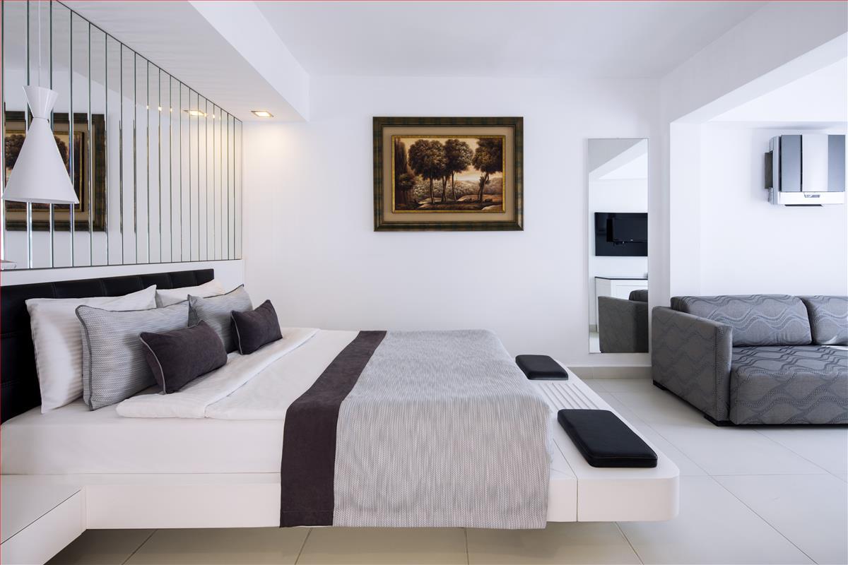 Superior Room (1).jpg